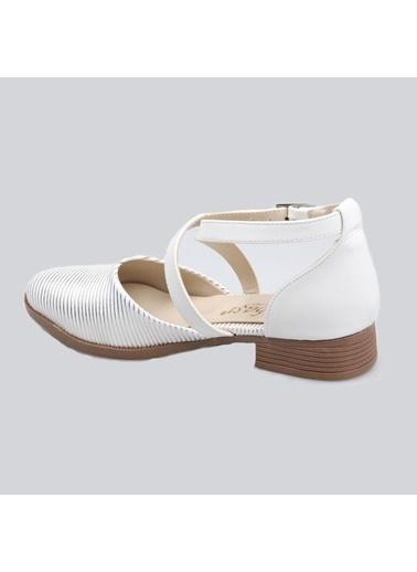 Subaşı Beyaz Bayan Günlük Ayakkabı Beyaz